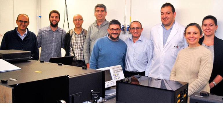 Equipo de técnicos y científicos españoles del Proyecto europeo ECOGRAB. Entre ellos, Tomás Morlanes (3º desde la izq.) y Carlos Urra (6º desde la izq.) de Fagor Automation