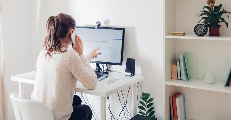 El trabajo desde casa, la oferta laboral más buscada por los españoles