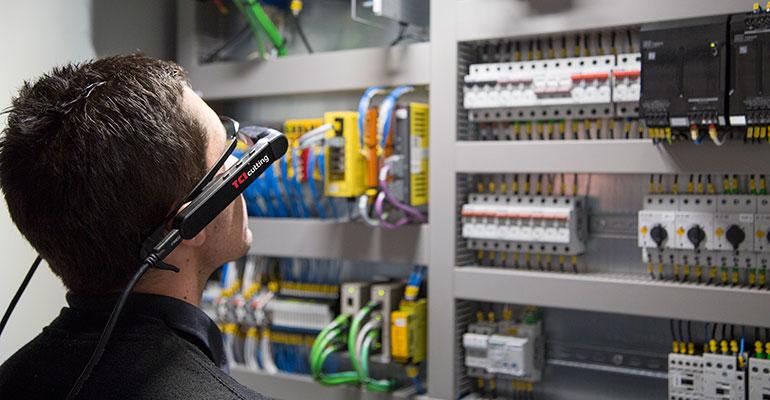 TCI Cutting lanza unas gafas inteligentes de realidad aumentada que revolucionan las máquinas de corte