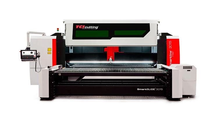 TCI Cutting renueva su modelo de éxito Smartline Fiber 3015, máxima flexibilidad y productividad en corte de chapa 2D