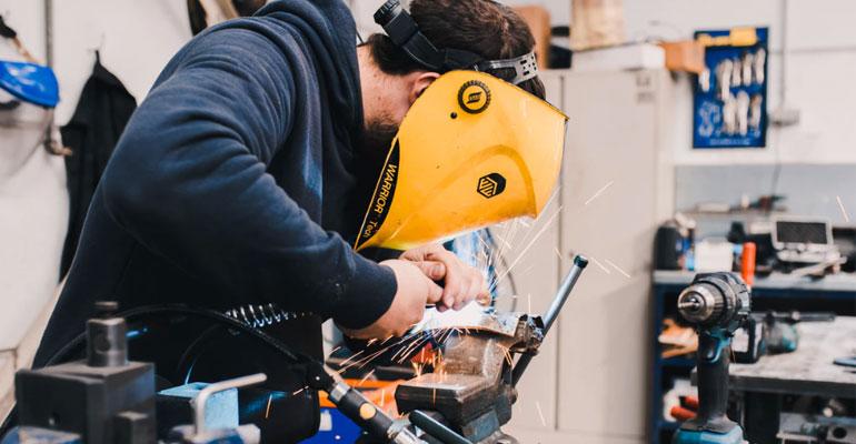 Más de dos millones de trabajadores del sector metal accederán a cursos online gratuitos